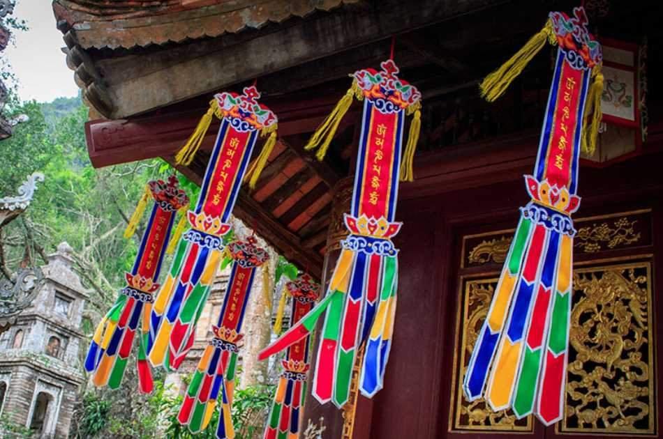 Buddhism Pilgrimage - Perfume Pagoda Trip