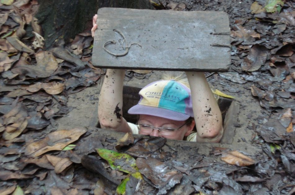 Cu Chi Tunnels and Cao Dai Temple Full Day Tour from Ho Chi Minh
