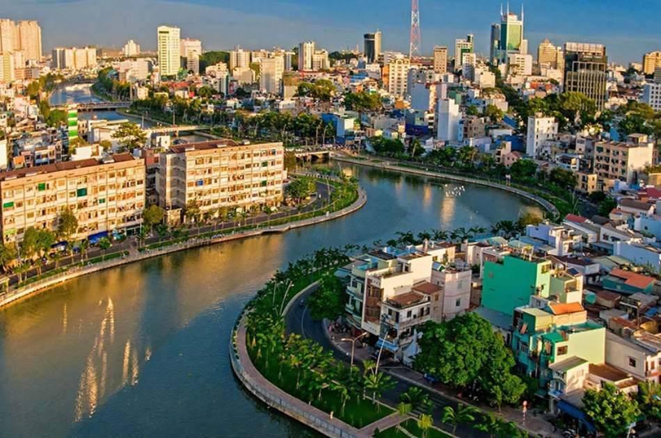 Delicious Dinner & Cruise in Saigon