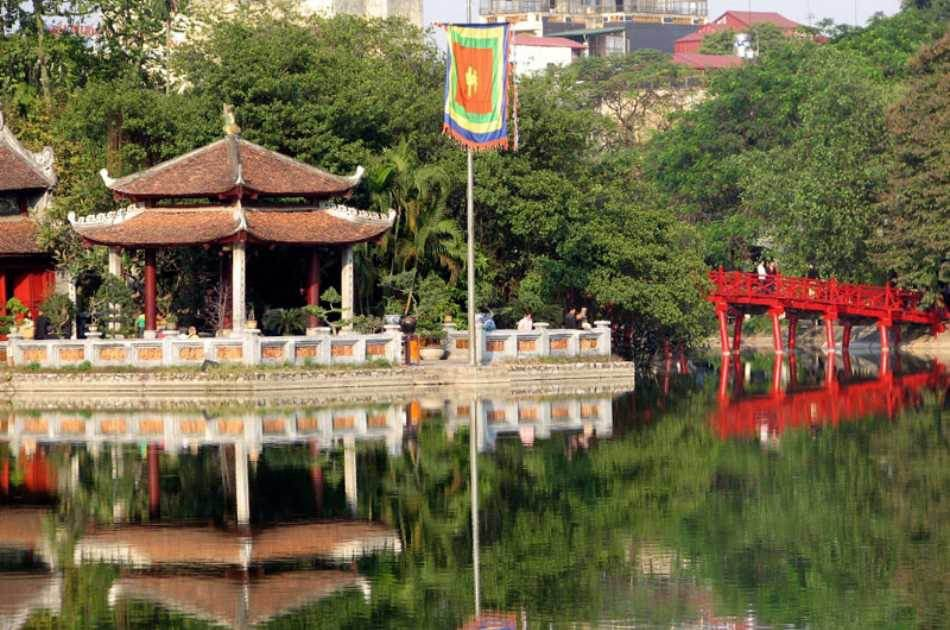 Full Day Exploring Hanoi Group Tour