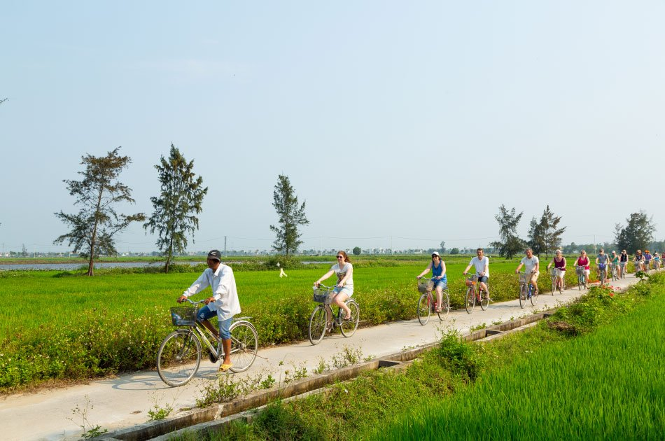 Group Tour -5 Days 4 Nights Central Vietnam Heritage Trail ( Hoian, My Son, Hue, Quang Binh)