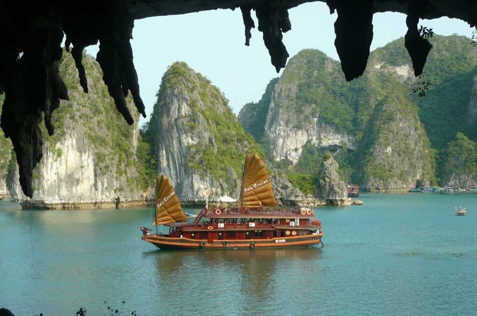 Halong Bay One Day Tour: Cruising, Kayaking, Seafood Lunch...