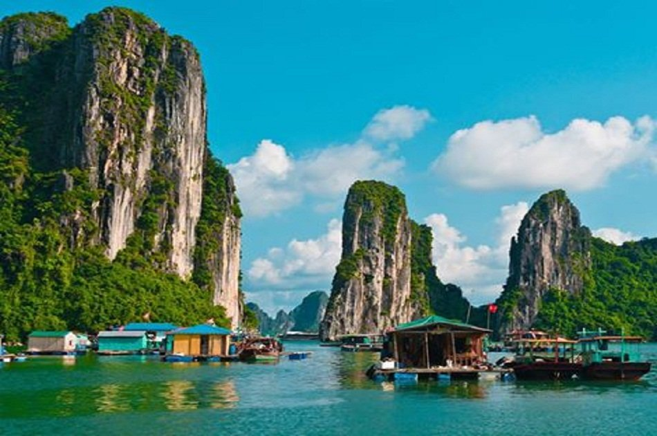 Hanoi - Ha Long Bay Private Transfer by 4 Seats Car