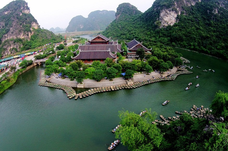 Hanoi - Ninh Binh Private Transfer by 4 Seats Car