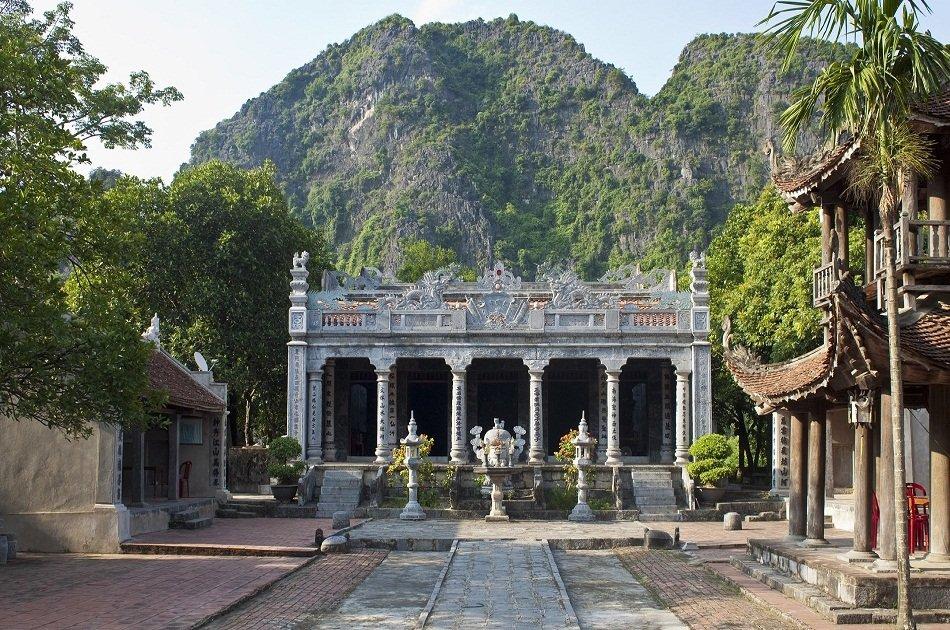 Hanoi - Ninh Binh Private Transfer by 7 Seats Car