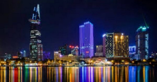 Ho Chi Minh By Night Tour - with Show & Dinner on Cruise