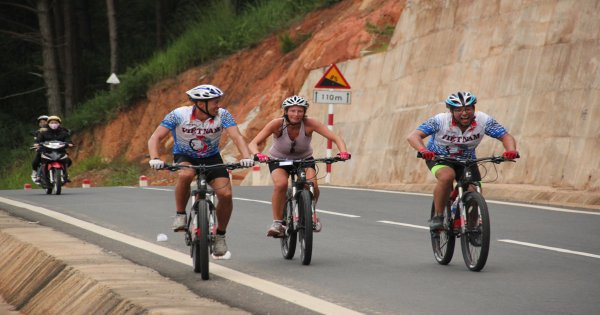 Vietnam Bike Tours - See Vietnam by Bike