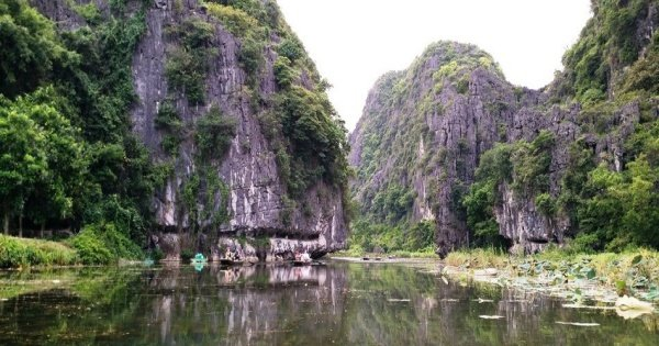 Hoa Lu - Tam Coc Day Tour from Hanoi