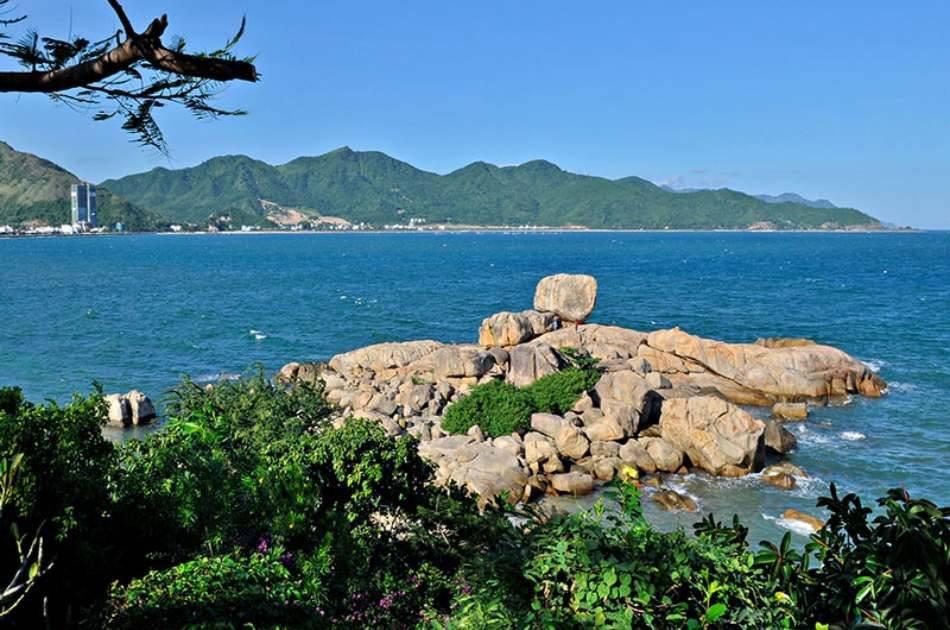 Nha Trang Diving Tour at Mun Island With Joining Boat