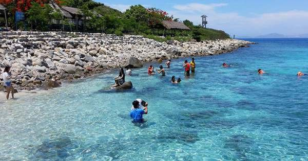 Nha Trang Diving Tour at Mun Island With Joining Boat