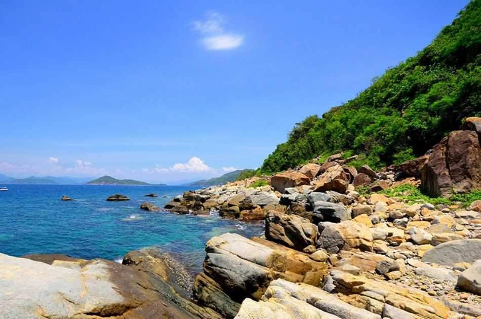 Nha Trang Island Day Tour With Snorkelling & Fishing
