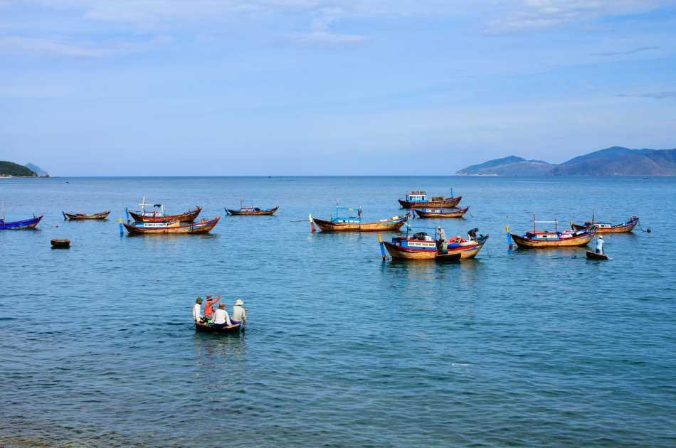 Nha Trang Seawalker by Speed Boat/wooden Boat Joining Tour