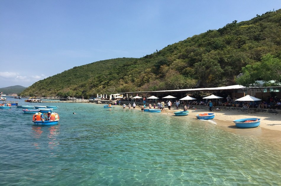 Speedboat and Snorkeling Small Group Tour