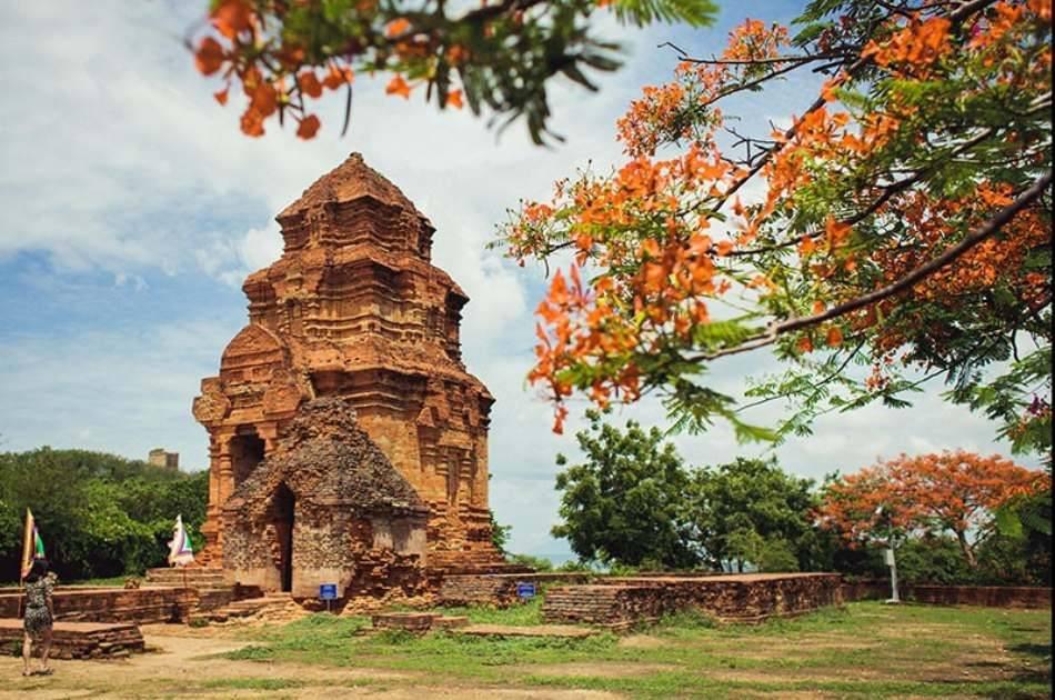 Takou Mountain Pagoda Excursion