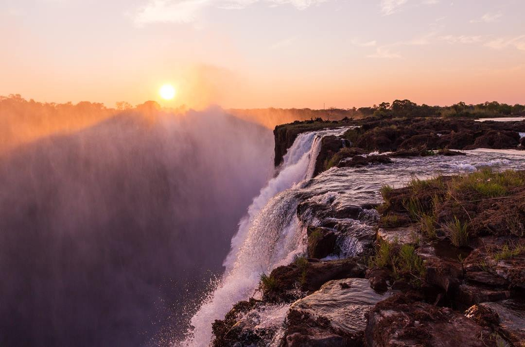 Private Tour Of Victoria Falls To See And Experience A Natural Wonder