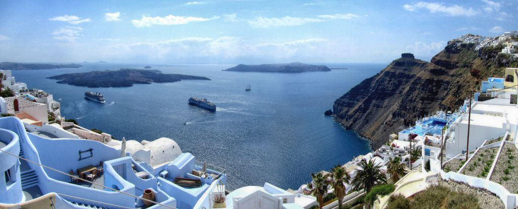 Santorini, Step Ashore And Go On A Tour