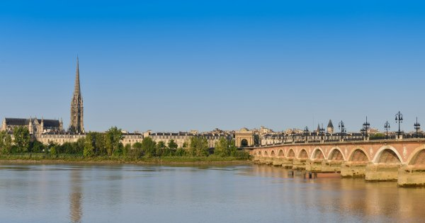 Sights and Wineries to Make You Feel Aglow on a Private Tour of Bordeaux