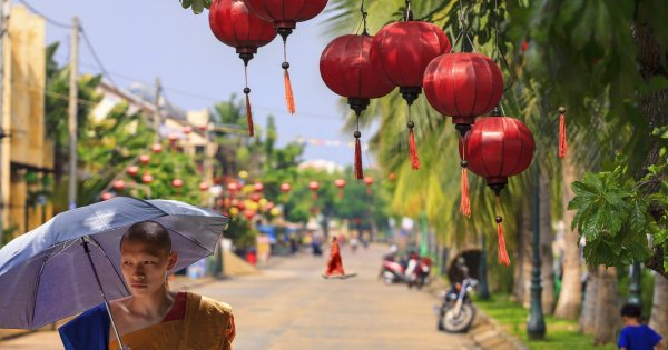 Guided Tour of Hoi An, a Stunningly Beautiful Ancient Heritage Town