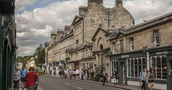 Walk in the footsteps of Elizabeth Bennet on a private tour of Bath