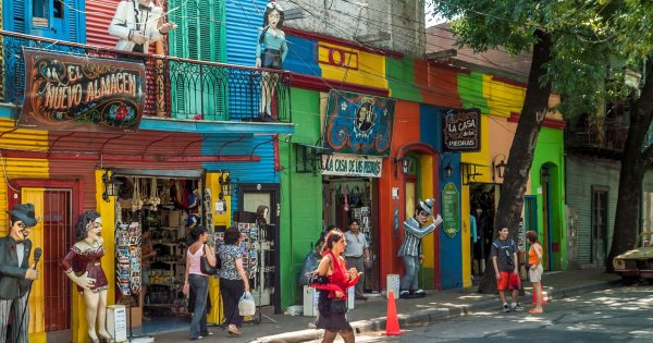 Visit the Tango Capital and Boogie in Buenos Aires With Private Tour