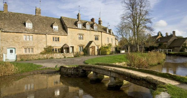Admire the Natural Unspoiled Meadows on Private Tours of Cotswolds