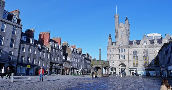 There's More Than the Average  to Be Seen With Aberdeen Sightseeing Tour