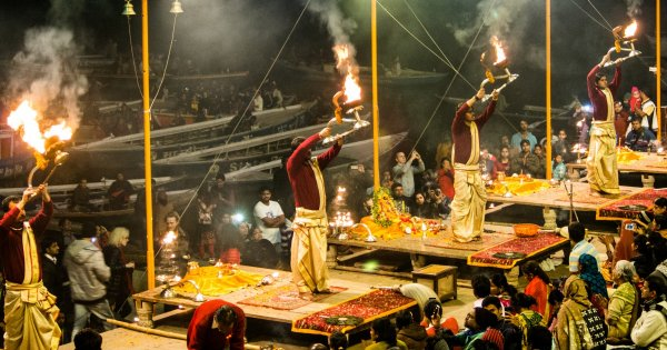 Come Take a Ganges Sightseeing Tour of Varanasi the City of Light
