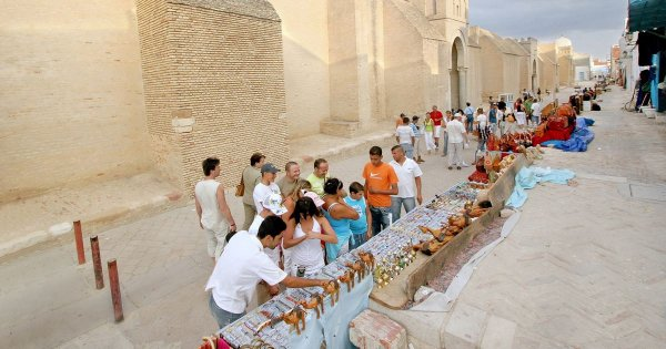 Kairouan on a Private Tour for Mosques, Tombs and Candy-colored Doorways