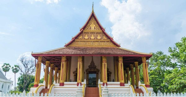 Spectacular Private Tour of Vientiane City of Contrasting Temples