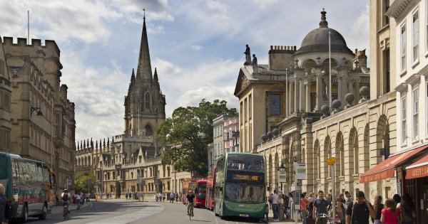 Discover Hidden Secrets and Obvious Beauty on a Private Tour of Oxford