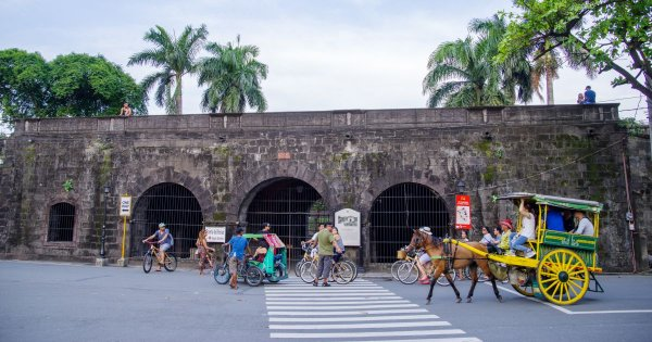 Manila on a Private Tour, the Thriving and Thrilling New Age Mega City
