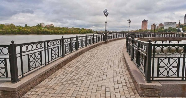 Visit the Sights That Are Picturesque on Private Guided Tours of Donetsk