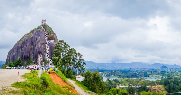 Explore the Unforgettable Natural Beauty in Private Tour of Medellin