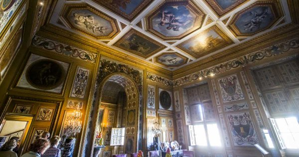 Vibrant and Classic Private Vaux Le Vicomte Castle Cultural City Tours